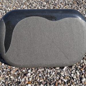 Stenshoppen.dk | Gravsten sort indisk granit med poleret Bramme.