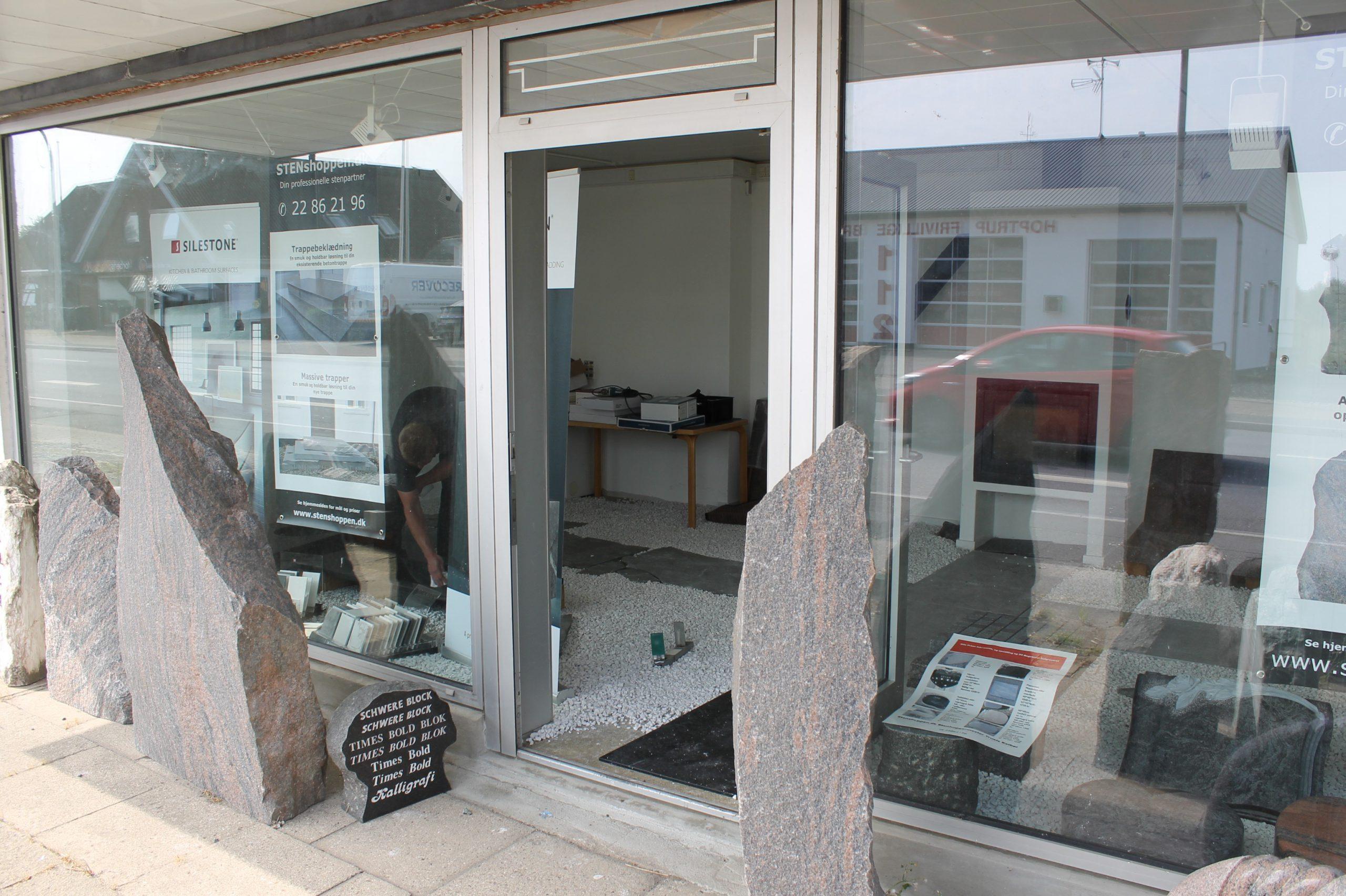 Besøg vores showroom i Hoptrup. Hoptrup Hovedgade 34, 6100 Haderslev